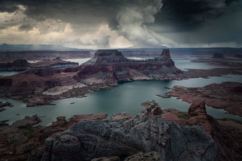 astrom point, utah, desert, lake powell, page, arizona, sunrise, red clouds, bernard chen, landscape photography, storm, thunderstorms