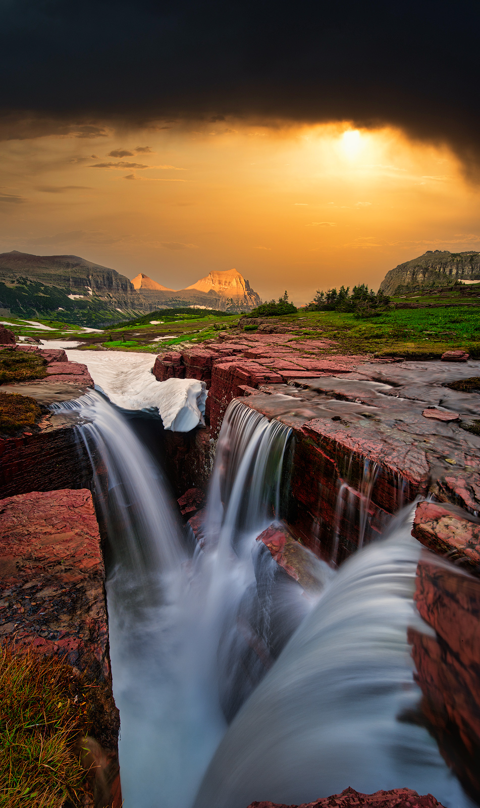 Glacier National Park, Montana, Bernard Chen, Horizontal, Outdoors, Day, Nature, Tranquility, Scenics, Tranquil Scene, Beauty In Nature, Non Urban Scene, Environment, Standing, photo