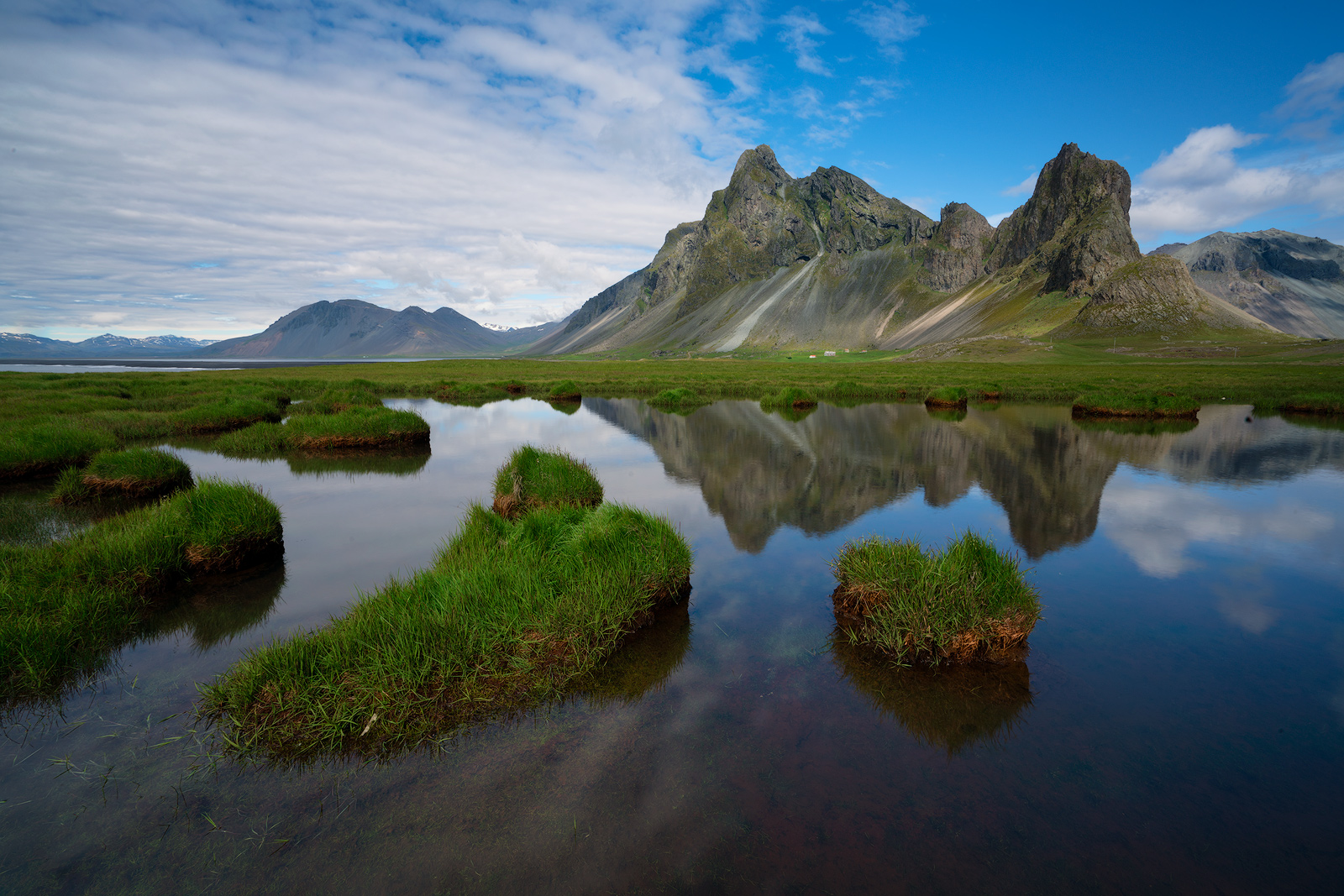 Iceland, reflection, mountains, clouds, Bernard Chen, photo