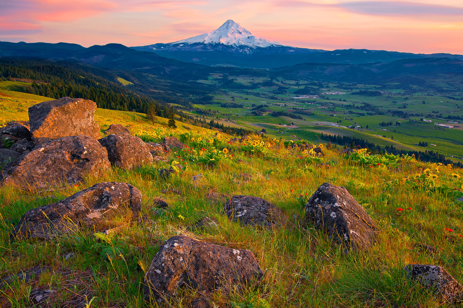 Mount Hood, Oregon, Columbia River Gorge, Hood River, National Scenic Area, Volcanic Rock, Mountain, Landscape, Pacific Northwest, photo