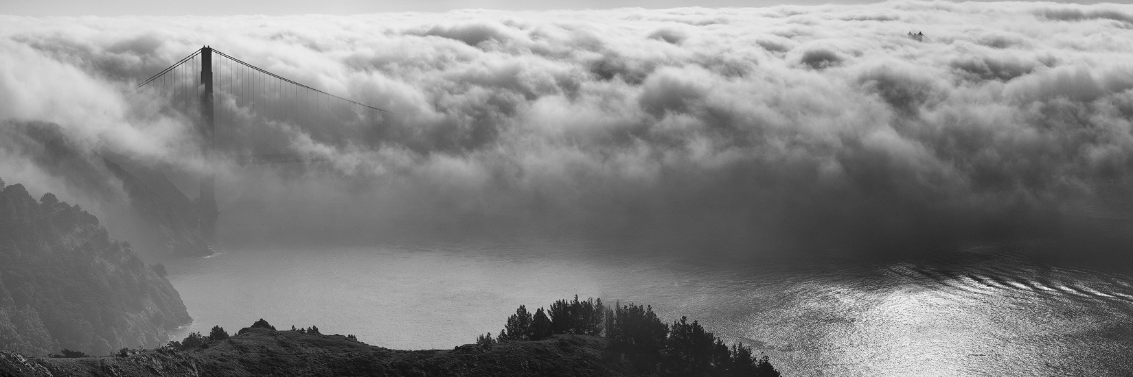The Magic Bridge, San Francisco, California, Pacific, ocean, fog, dense fog, Marin, mountains, panoramic, black and white, photos, bernard chen, timescapes, photo